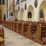 800px-ICS_traditional_church_pews[1]